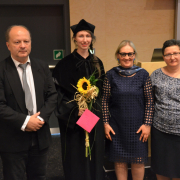 Ania z promotorem prof. Olą oraz recenzentami prof. A. Dołęgą (PG) i dr hab. inż J. Nyczem (UŚ)